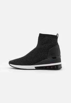 MICHAEL Michael Kors - SKYLER BOOTIE EXTREME - Höga sneakers - black