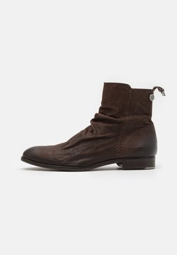 Shelby & Sons - MCCARTHY SLOUCH BOOT - Stiefelette - brown