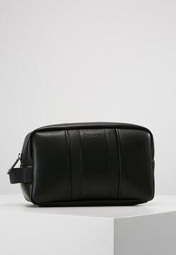 Calvin Klein - ESSENTIAL WASHBAG - Kosmetiktasche - black