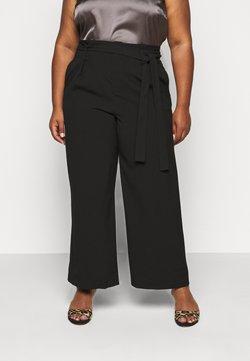 ONLY Carmakoma - CARICOLE ANKEL WIDE PANTS - Pantalon classique - black