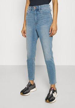 Madewell - CURVY ROADTRIPPER JEGGING - Slim fit jeans - sunbury