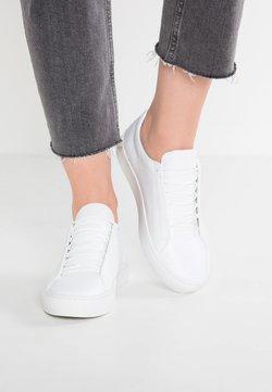Vagabond - ZOE - Sneakersy niskie - white
