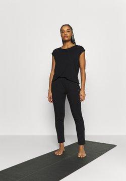 Curare Yogawear - ONEPIECE  - Trainingsanzug - black