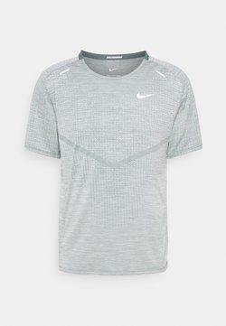 Nike Performance - TECHKNIT ULTRA  - T-shirt imprimé - hasta/barely green