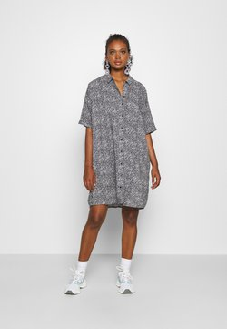 ONLY - ONLHAPPILY BATSLEEVE TUNIC - Chemisier - night sky