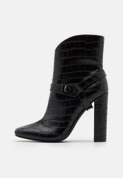 Glamorous - Korolliset nilkkurit - black