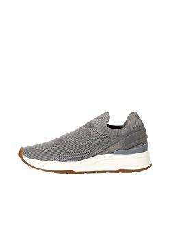 OYSHO - MIT ELASTISCHEM OBERMATERIAL - Sneakers - grey