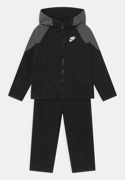 Nike Sportswear - MIXED MATERIAL SET - Survêtement - black