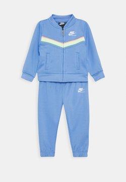Nike Sportswear - HERITAGE SET - Hoodie met rits - royal pulse