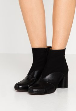 Chie Mihara - MOLAINA - Ankle Boot - black