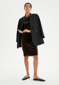 InWear - NISAS DRESS - Cocktailkleid/festliches Kleid - copper