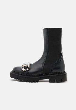 N°21 - BOOTS - Plateaustiefel - black