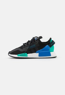 adidas Originals - NMD_R1.V2 BOOST SPORTS INSPIRED SHOES UNISEX - Sneaker low - core black/footwear white