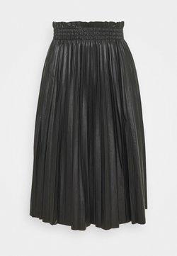 Vero Moda - VMCLARIN KNEE SKIRT - Pleated skirt - black