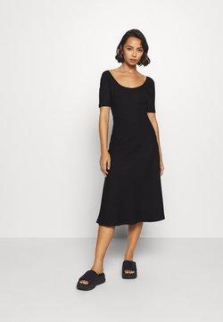 Zign Petite - Vestido ligero - black