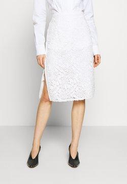 N°21 - Pencil skirt - milky white