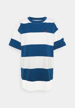 Levi's® - HEAVYWEIGHT ROADTRIP TEE - T-Shirt print - alyssa/estate blue