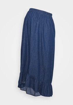 MAMALICIOUS - MLLIBERTY HIGH LOW SKIRT - Falda acampanada - medium blue denim