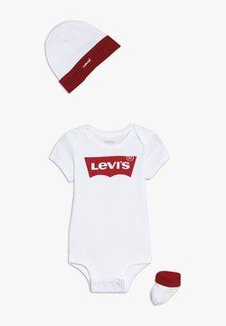 Levi's® - CLASSIC BATWING INFANT BABY SET - Geschenk zur Geburt - white