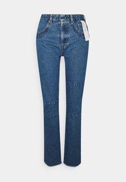 MM6 Maison Margiela - PANTALONE TASCHE - Straight leg jeans - seasonal light
