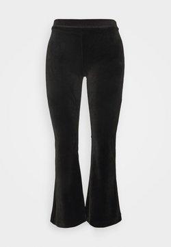 Vero Moda Petite - VMKAMMA FLARED - Pantalon classique - black