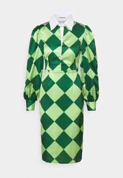 Glamorous - COLLAR MIDI DRESS - Freizeitkleid - green diamond