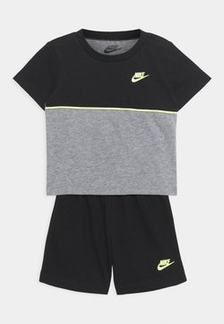 Nike Sportswear - COLOR BLOCKED SET UNISEX - Trainingspak - black