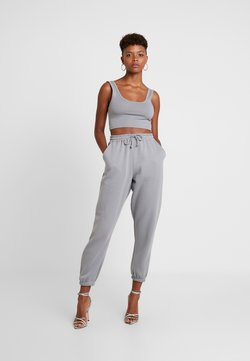Missguided - SCOOP NECK BRALET JOGGER SET - Pantalon de survêtement - grey