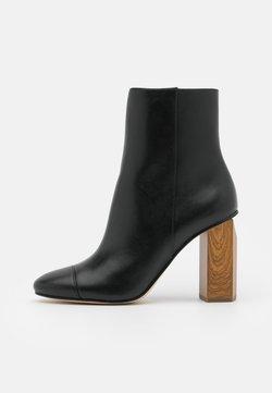 MICHAEL Michael Kors - PETRA TOE CAP BOOTIE - High Heel Stiefelette - black