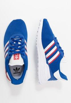 adidas Originals - LA TRAINER LITE UNISEX - Zapatillas - royal blue/footwear white/scarlet