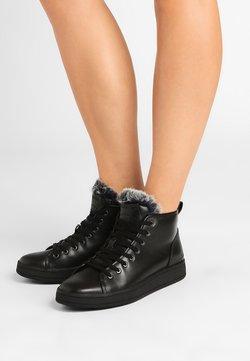 Calvin Klein - SOLEDAD - Sneakers hoog - black