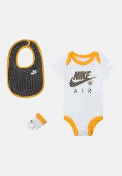 Nike Sportswear - SET UNISEX - T-shirt imprimé - white