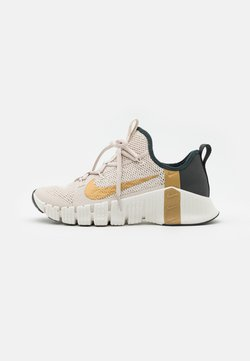Nike Performance - FREE METCON 3 - Sports shoes - light orewood brown/metallic gold/dark smoke grey