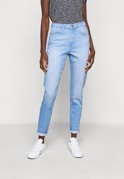 ONLY Tall - ONLVENEDA LIFE MOM - Jeans Slim Fit - light blue denim