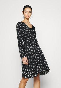 Pieces - PCSILJY DRESS - Korte jurk - black