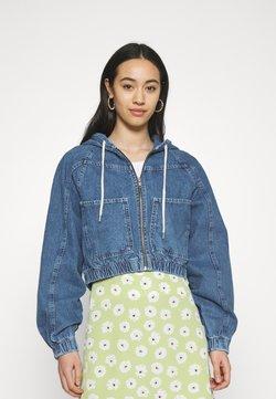 BDG Urban Outfitters - LEA PATCH POCKET CROP JACKET - Veste en jean - dark vintage