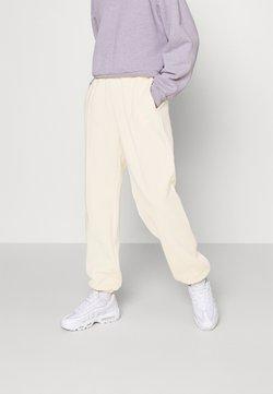 Nike Sportswear - PANT TREND - Jogginghose - coconut milk/