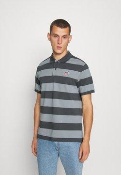 Nike Sportswear - STRIPE - Poloshirt - iron grey/particle grey