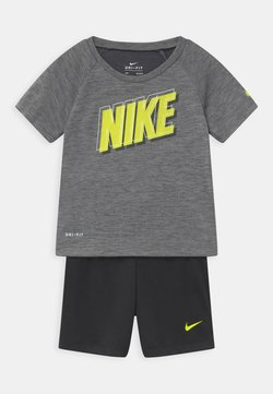 Nike Sportswear - RAGLAN SET  - T-shirt print - black