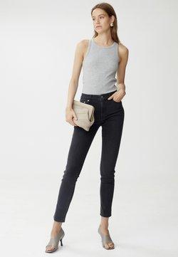 Gestuz - EMILYGZ HW NOOS - Jeans Skinny - washed grey