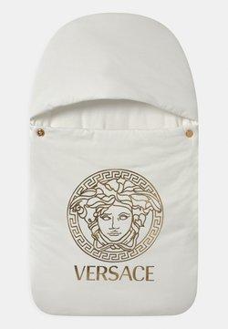 Versace - OUTDOOR NEST PRINT MEDUSA UNISEX - Babyslaapzak - white/gold