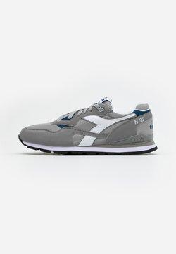 Diadora - N.92 - Sneakers laag - paloma grey/white