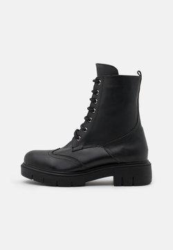 Trendyol - Enkellaarsjes met plateauzool - black