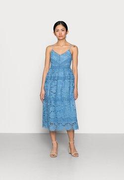 YAS Petite - YASFRIO STRAP MIDI DRESS - Vestido de cóctel - blue heaven