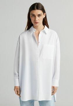 Bershka - OVERSIZE LANGARM - Koszula - white