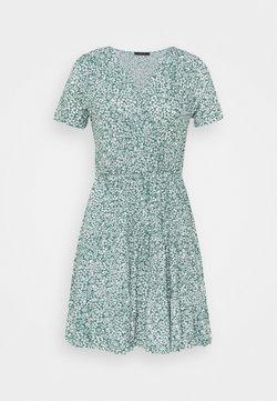 Trendyol - Vestido de punto - green
