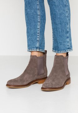 Clarks - ARLO - Ankle Boot - taupe