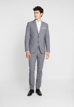 Pier One - Costume - grey