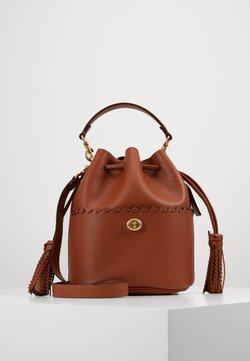 Coach - WHIPSTITCH DETAILS LORA BUCKET BAG - Handtasche - saddle