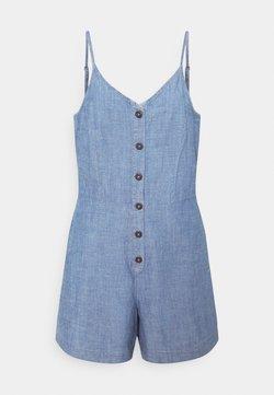 Vero Moda - VMAKELA CHAMBRAY STRAP PLAYSUIT - Jumpsuit - medium blue denim